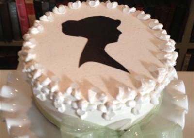 custom wedding cake and buffer (2)