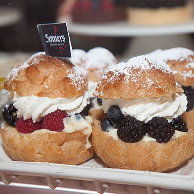 Fresh Berry Cream Puffs