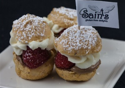 mini mixed berry cream puffs (2) (600 x 516)