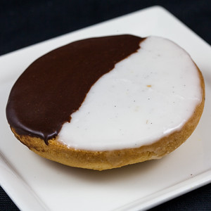 black-white-cookie